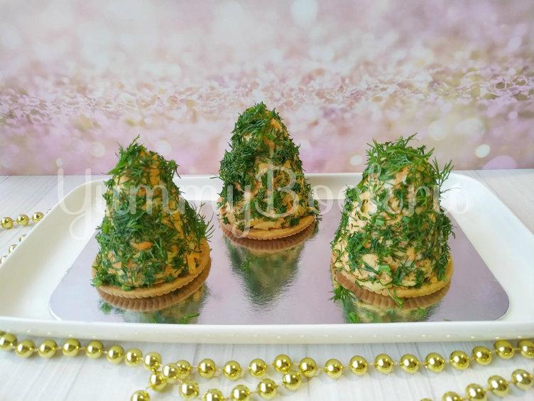 Новогодняя закуска на крекере - шаг 3