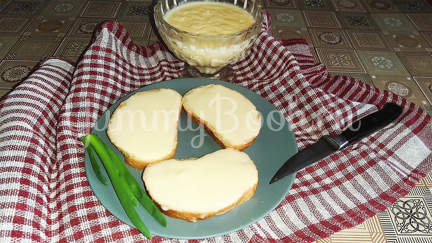 Плавленый сыр на сковороде - шаг 4