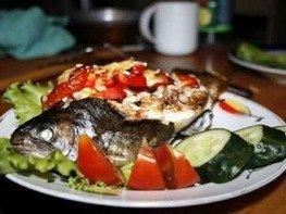 Радужная форель с овощами