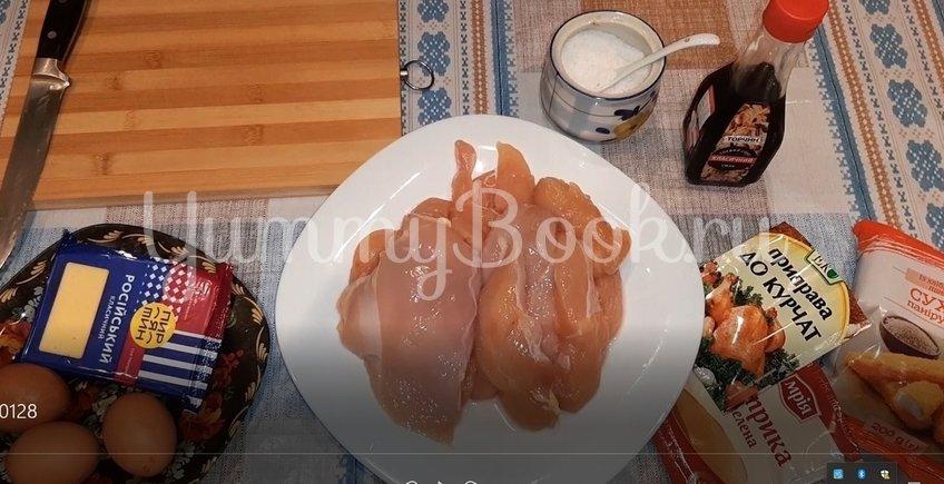 Стрипсы из куриного филе в духовке - шаг 1