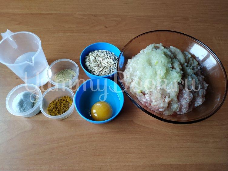 Домашние колбаски из фарша в духовке - шаг 1