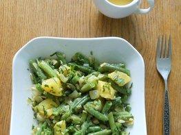 Тёплый салат с стручковой фасолью