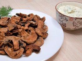 Закуска из шампиньонов с чесночным соусом