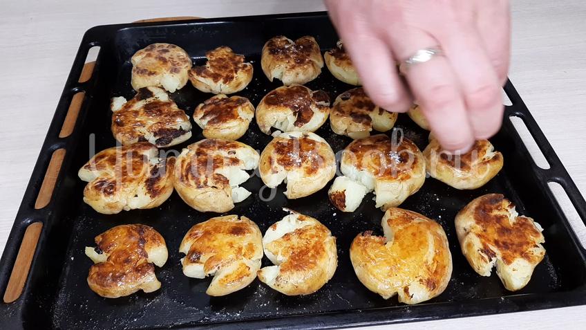 Запеченный молодой картофель - шаг 8