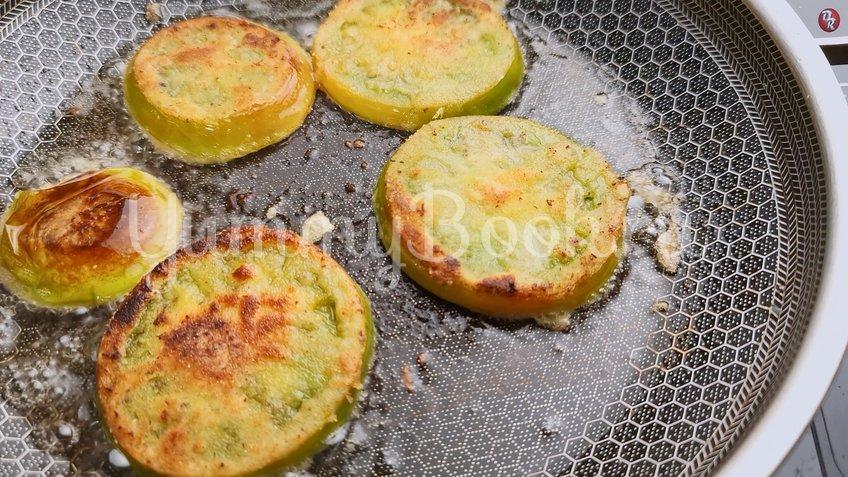 Жареные зеленые помидоры с беконом - шаг 6
