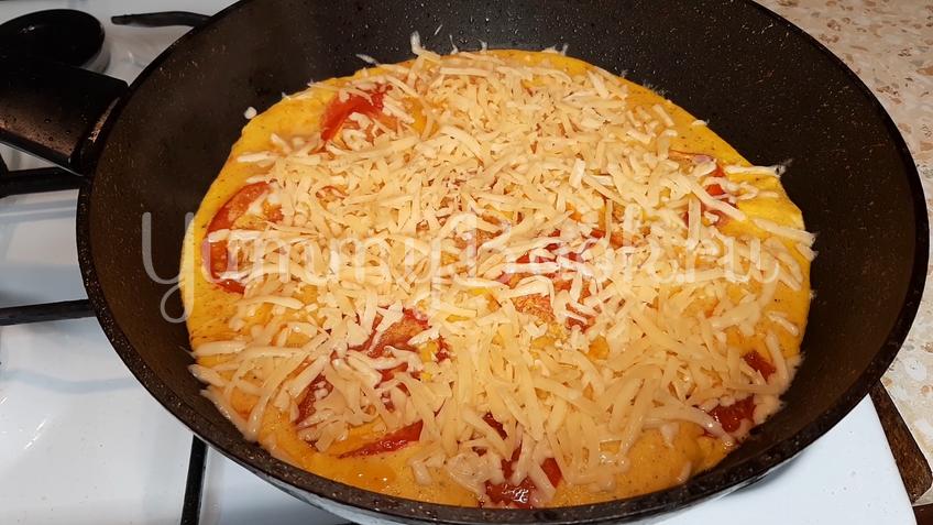 Омлет с помидорами и сыром - шаг 9