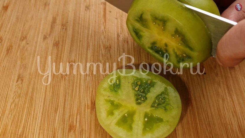 Жареные зеленые помидоры под белым соусом - шаг 1