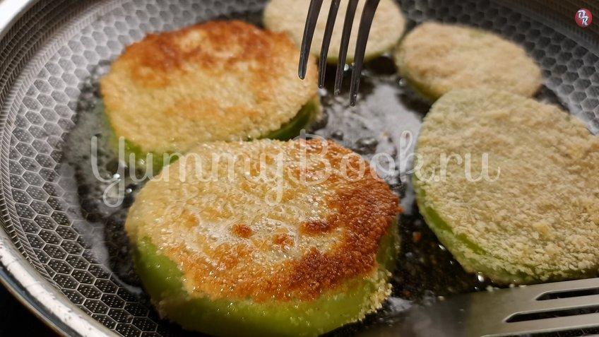 Жареные зеленые помидоры под белым соусом - шаг 6