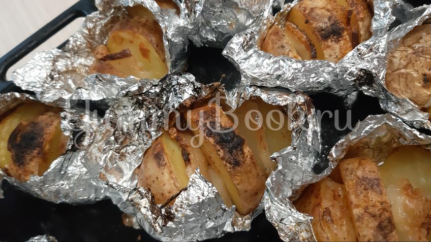 Картошка запечённая с салом - шаг 8