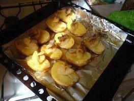 Кораблики картофельные с салом