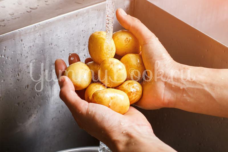 Запечённый картофель по-португальски - шаг 1