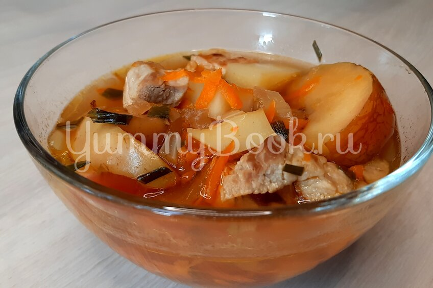 Яблочный суп со свининой