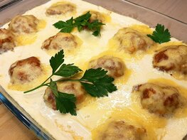 Мясные шарики в сырно-сливочном соусе