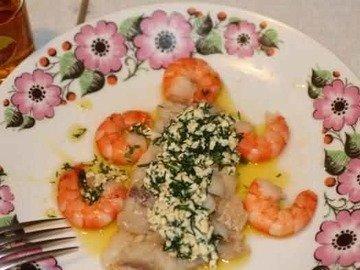 Бледная рыба с польским соусом