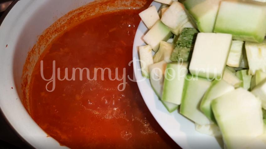 Салат из кабачков в томатном соусе на зиму - шаг 2