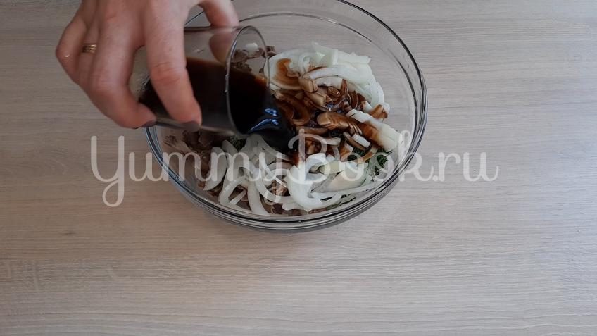 Салат из маринованных куриных желудков  - шаг 6