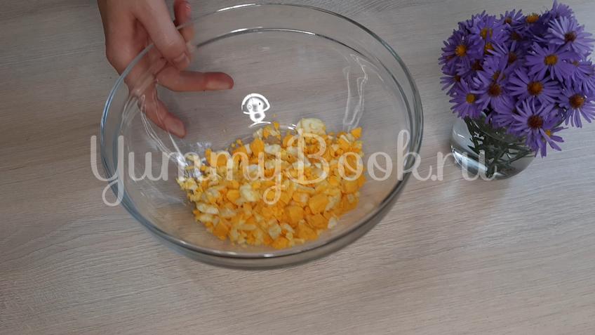 Лаваш с яйцом и сыром - шаг 1