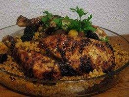 Фаршированная курица с пшеницей и каштанами