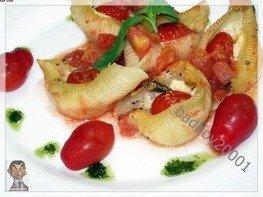 Conchiglioni (кончильони) с сыром и помидорами