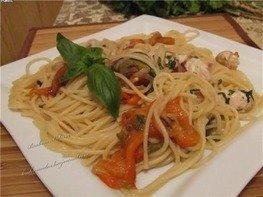 Спагетти с курицей и запеченными перцами