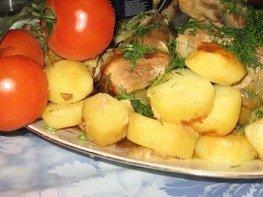 Мясо тушеное в пакете с картошкой