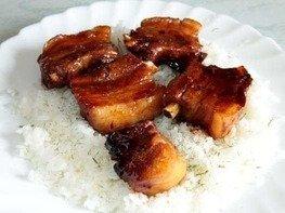 Свиные ребрышки тушеные в соевом соусе