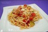 Спагетти с цукини, томатами и моцареллой