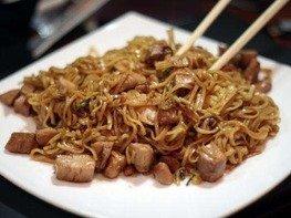Китайская жаренная лапша.