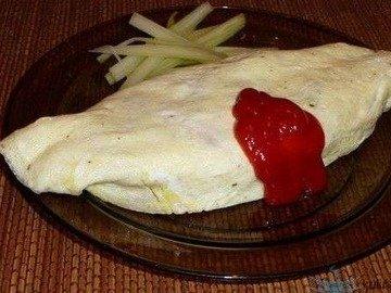 Омурайс (Omurice) -  Рис с курицей и томатами в яичной обёртке