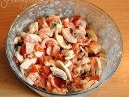 Салат из сырых грибов