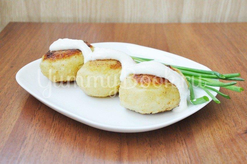 Зразы картофельные с грибами и луком