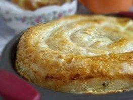 Пирог-улитка с картофелем и брынзой