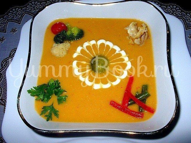 Овощной крем-суп с курицей