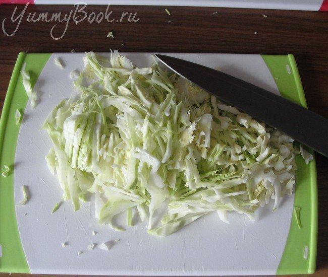 Дрожжевые пирожки  с капустой - шаг 4