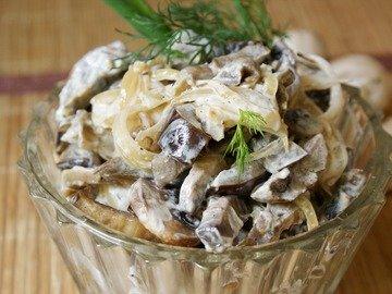 Баклажанно-грибной салат
