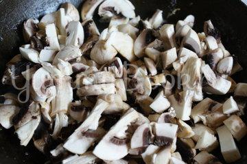 Рыбные тефтели с грибным соусом - шаг 4
