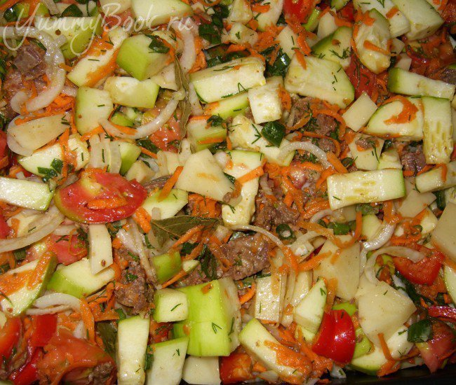 Запеканка овощная с тушенкой - шаг 3