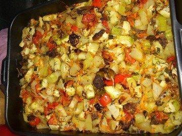 Запеканка овощная с тушенкой