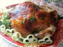 Фаршированная курица в медово-соевом маринаде