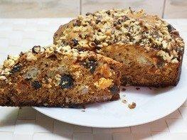 Кекс ореховый с сухофруктами
