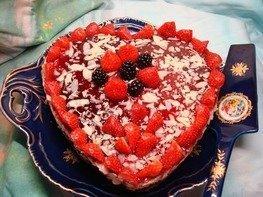 Миндальный торт с малиной (без выпечки и муки)