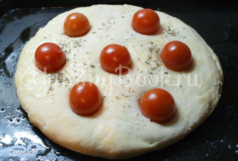 Фокачча с помидорами черри - шаг 4