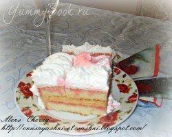 Бисквитный торт со сливками и малиновым ликёром - шаг 2