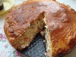 Пирог с лососем и яйцами