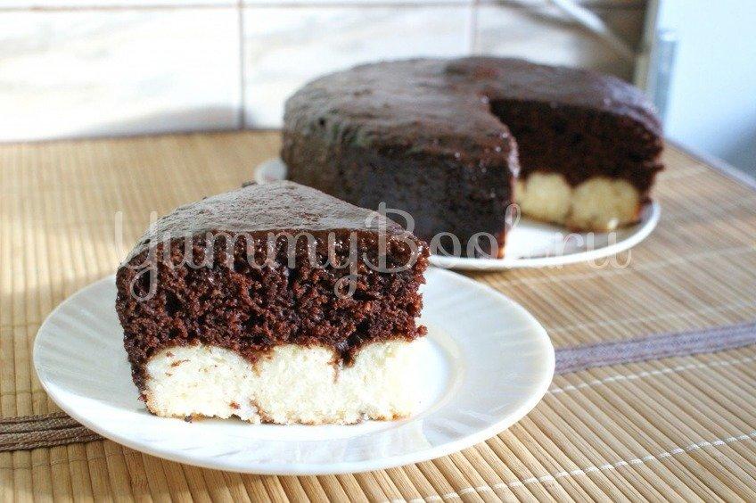 Шоколадный пирог с творожными шариками в мультиварке