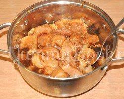 Куриное филе в пикантном соусе - шаг 2