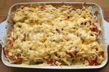 Запеканка куриная с картофелем, сыром и помидорами - шаг 7
