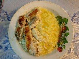 Рыба под сметанно-майонезным соусом в мультиварке