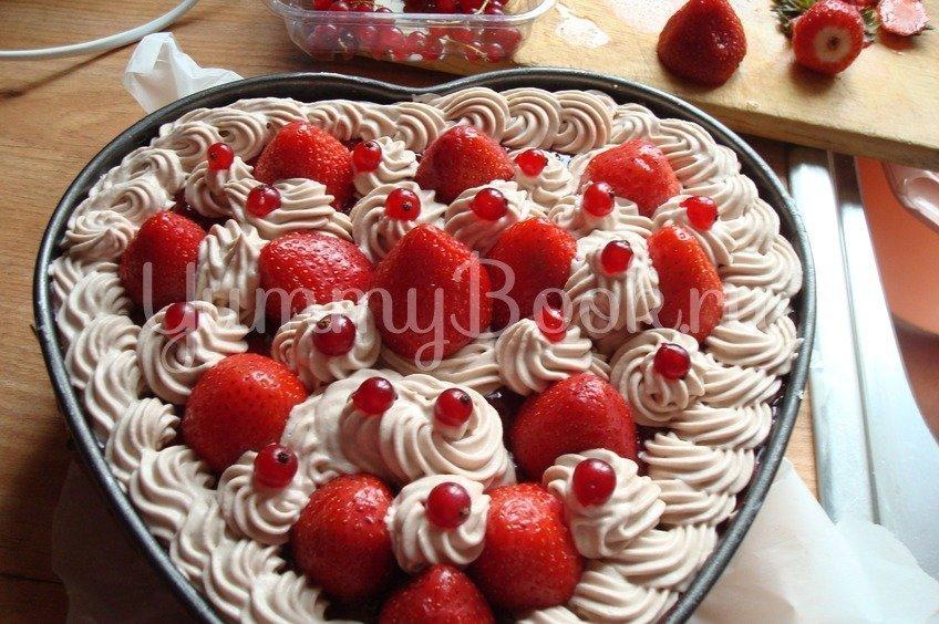 Миндальный торт с клубникой (без выпечки и муки)