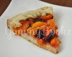 Дрожжевой пирог с фруктами и ягодами - шаг 8